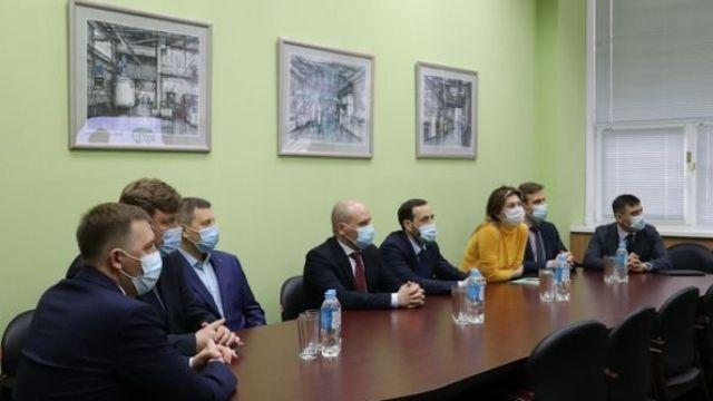 Представители ПАО «Газпром нефть» и Правительство Ярославской области посетили компанию ЯрЛИ