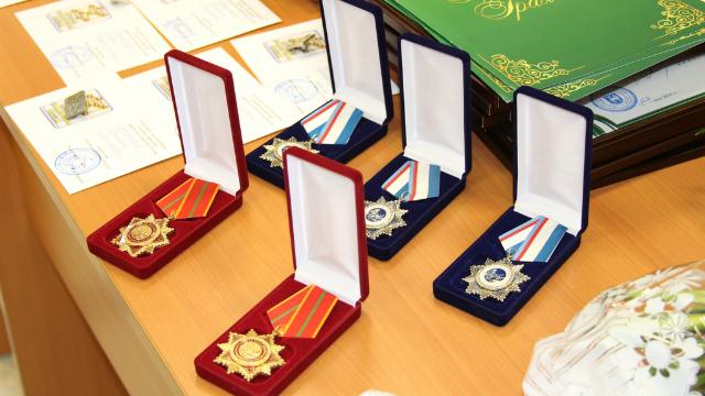 Орденом за «Заслуги перед химической индустрией России» наградили представителей РХТУ на Дне химика в РСХ